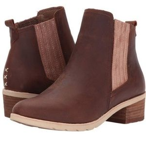 Reef Voyage Chelsea boots
